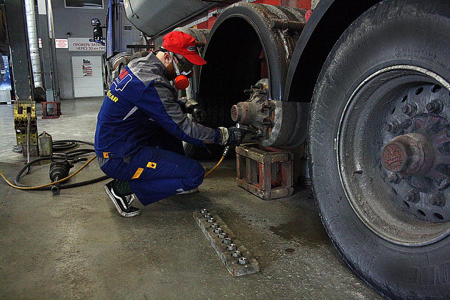 установка грузового колеса